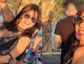 نجلاء بدر تبهر متابعيها علي انستجرام بصورة جديدة لها وهي علي احد الشواطئ | صوت مصر نيوز