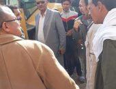 حملة لإزالة اشغالات المحال والباعة الجائلين أمام المركز الطبي بمدينة سنورس | صوت مصر نيوز