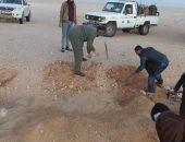 بالصور.. العثور على جثث شباب مصريين في صحراء ليبيا | صوت مصر نيوز