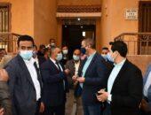 محافظ الفيوم يتفقد عمارات الإسكان الاجتماعي المخصصة لعزل مصابي كورونا بشدموه|صوت مصر نيوز